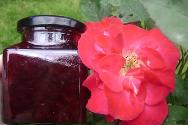 Confiture aux pétales de rose