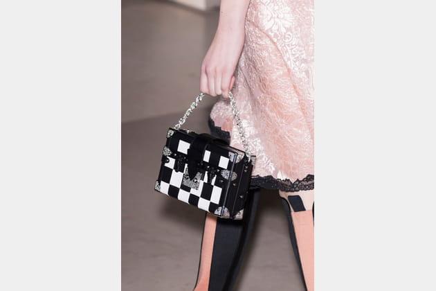 Louis Vuitton (Close Up) - photo 53