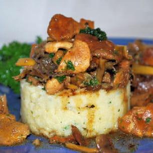 polenta aux champignons des bois et steak de boeuf
