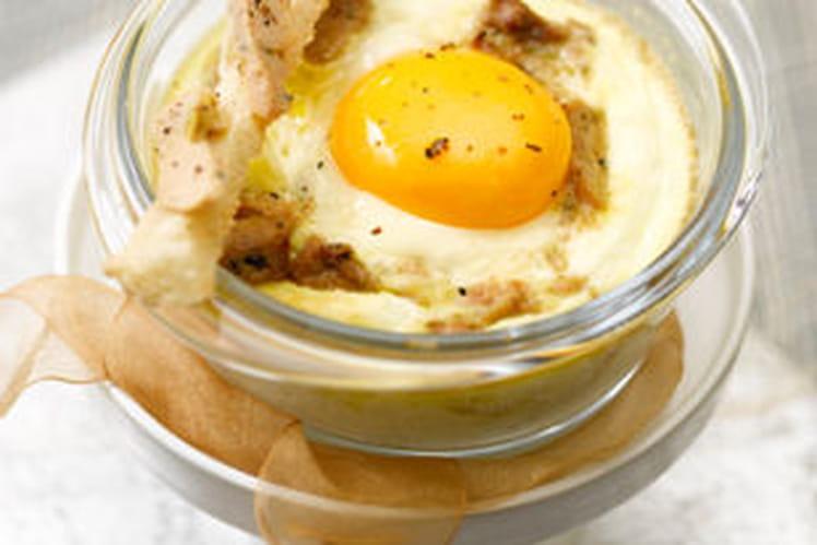 Oeuf cocotte au foie gras et ses mouillettes