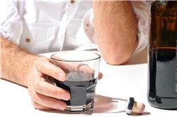 la boisson est le meilleur et souvent le seul ami de l'alcoolique.