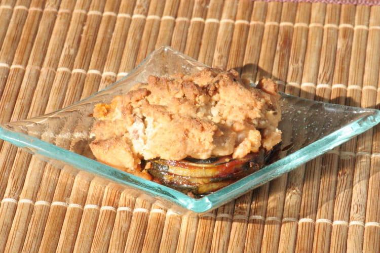 Verrines de mini-crumble courgettes, tomates séchées et cumin