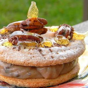 macarons crème de marron, noix de pécan et éclats de chocolat