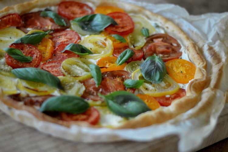 Tarte aux tomates anciennes, ricotta et basilic