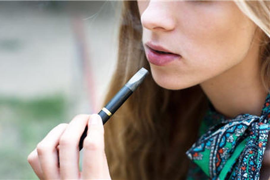 """Cigarette électronique: """"une alliée pour sortir du tabagisme, pas une porte d'entrée vers le tabac"""""""