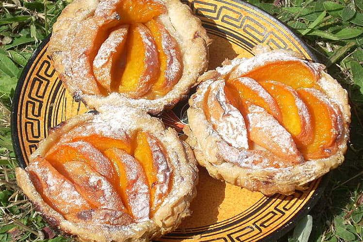 Tartelettes feuilletées aux abricots