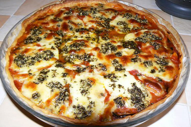 Tarte italienne au jambon cru, aubergine et mozzarella