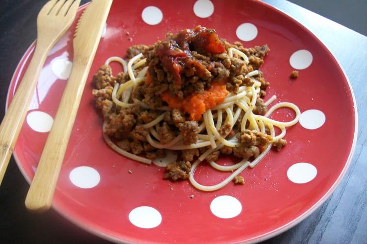 Spaghettis bolognaise confits sur mousse-carotte