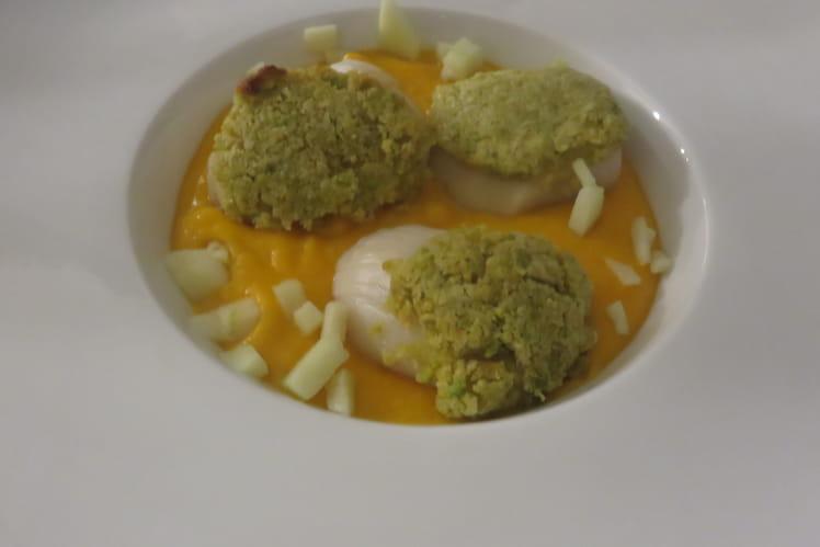 Velouté de potimarron-coco et Saint-Jacques en viennoise de pistaches