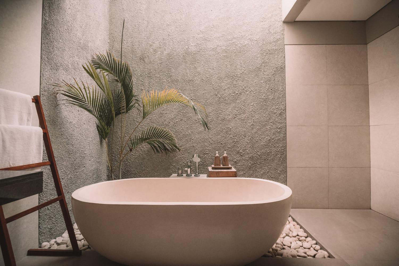 Salle de bains taupe: tout pour un réveil zen