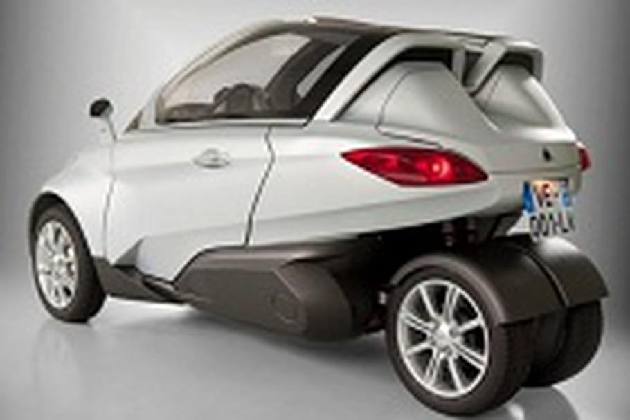 v lv une voiture 3 roues sur l 39 autoroute. Black Bedroom Furniture Sets. Home Design Ideas