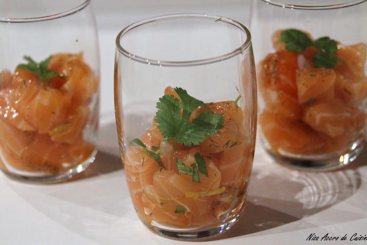 Verrines de tartare de dos de saumon cuit au sel
