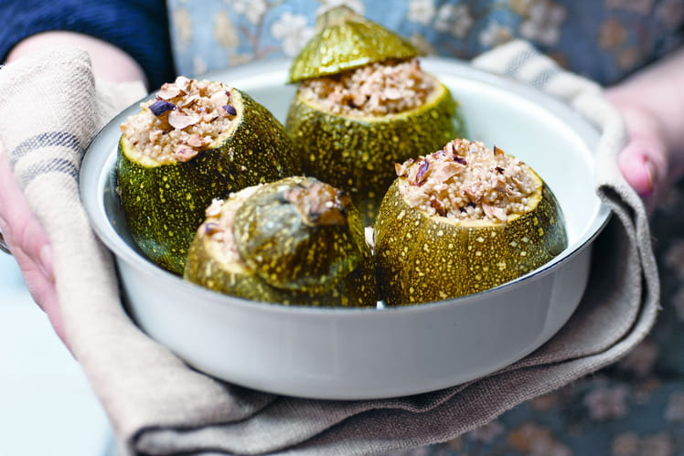 Courgettes farcies au quinoa et aux noisettes