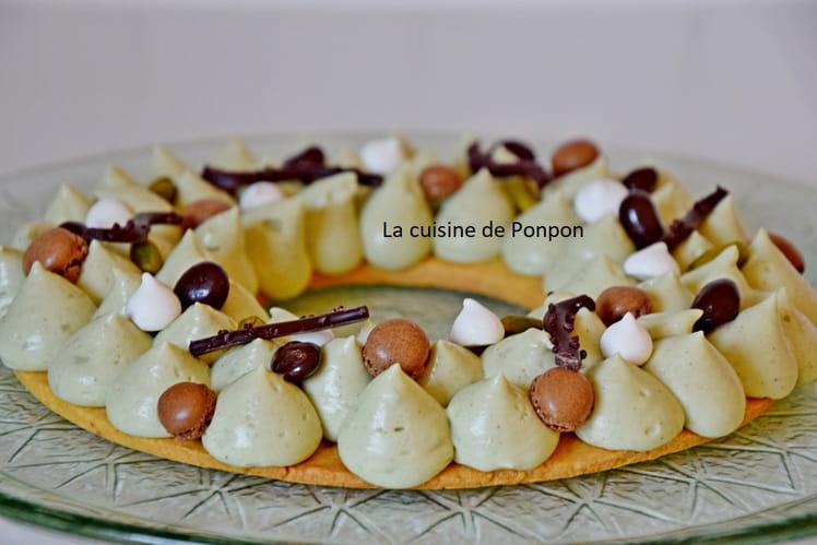 Pâte sucrée selon Cyril Lignac, garnie de crème diplomate à la pistache