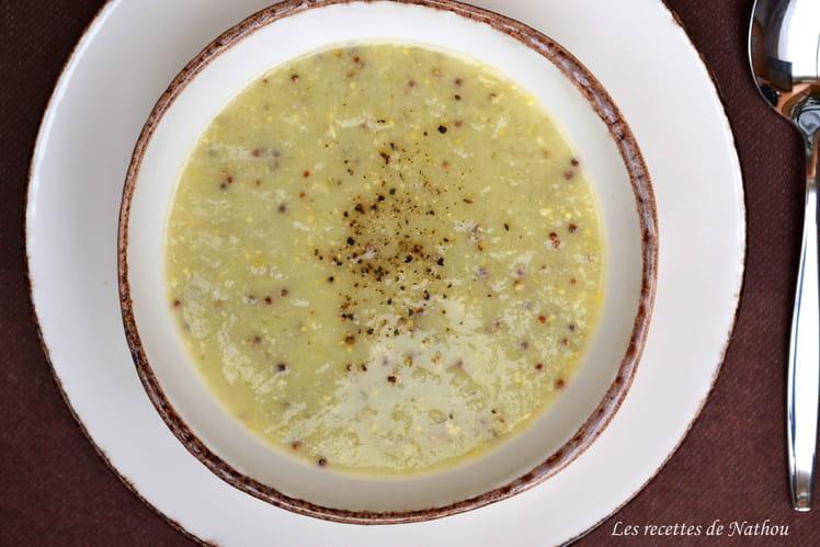 Potage aux poireaux, grains de moutarde à l'ancienne et cheddar