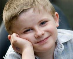 thomas, 8 ans, est atteint de myopathie de duchenne. il est le porte-parole de