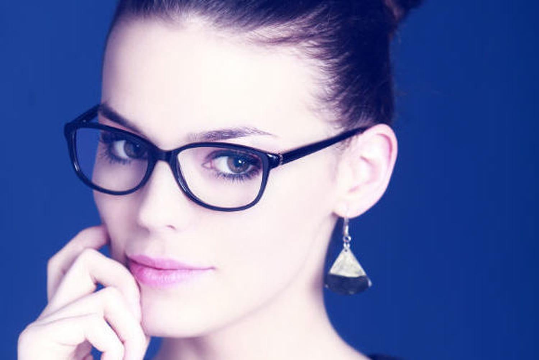 Des lunettes pour se protéger de la lumière bleue : pour qui ?