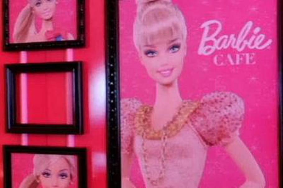 Viens donc boire un p'tit coup chez Barbie Café