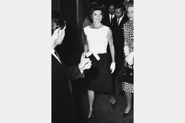 Jackie Kennedy en robe bicolore
