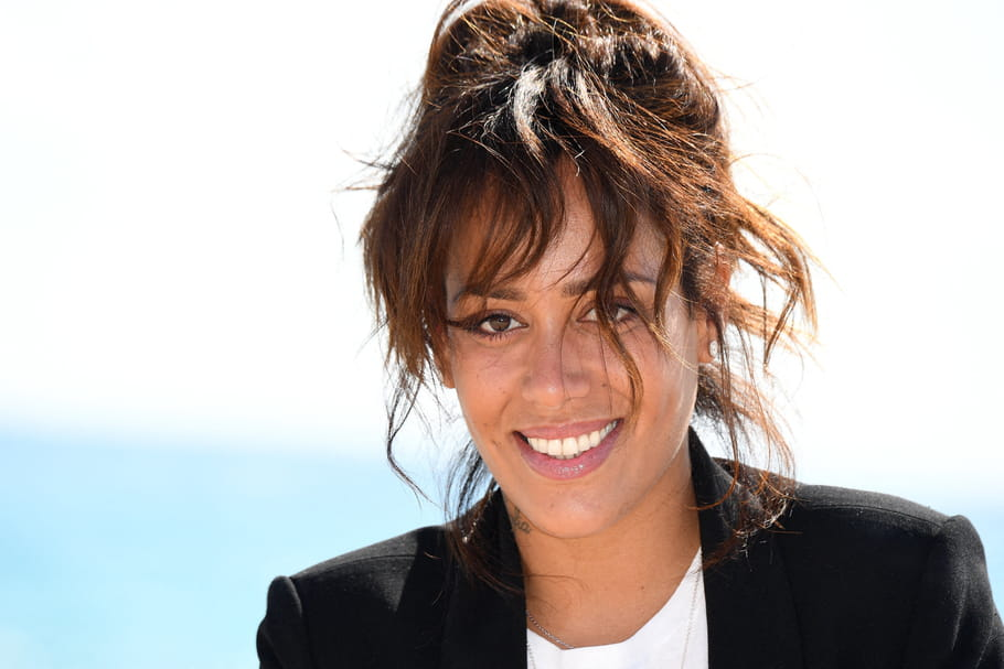 Amel Bent a perdu 7 kg en confinement : quel est son secret ?