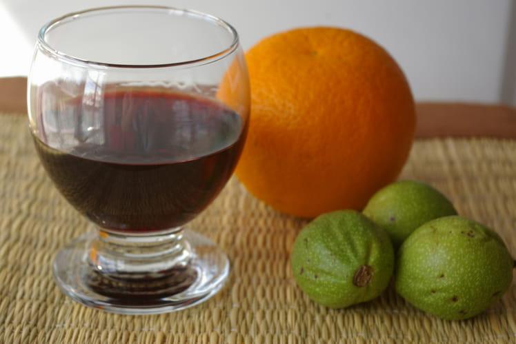 Vin de noix à l'orange