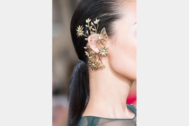 Le bijou d'oreille du défilé Georges Hobeika