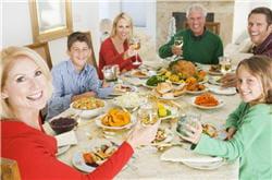 pour lutter contre le reflux gastro-oesophagien, évitez les repas copieux.