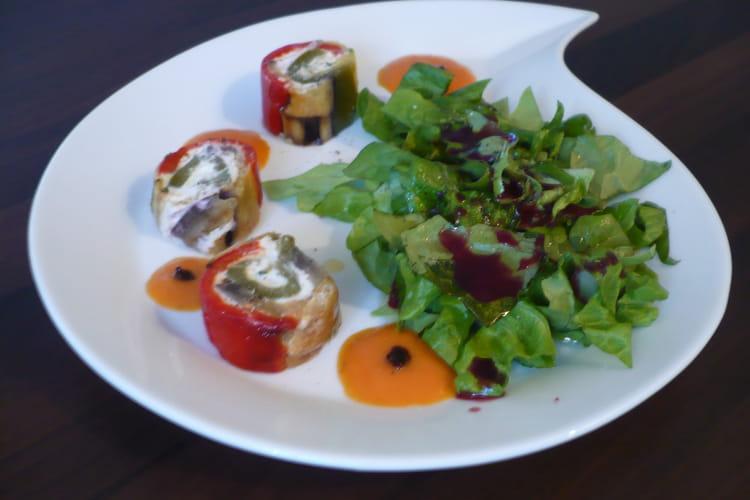 Roulades de chèvre aux légumes du midi, coulis de tomate
