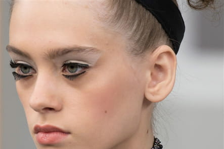 Chanel (Close Up) - photo 44