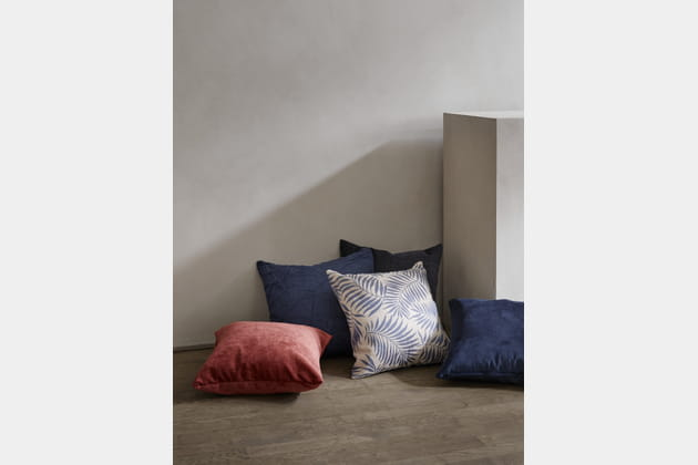 coussins de boconcept. Black Bedroom Furniture Sets. Home Design Ideas