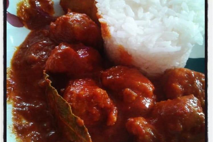Saucisses à la tomate et aux épices