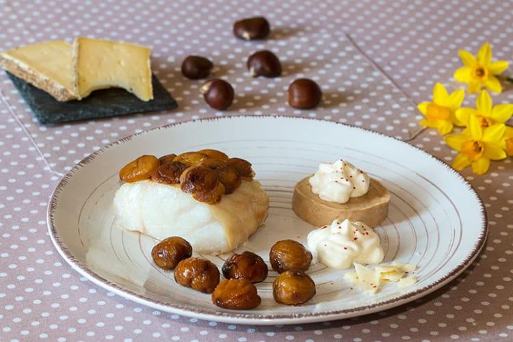 Dos de cabillaud en écailles de châtaignes, crème de châtaignes et son espuma à la Tomme de Savoie