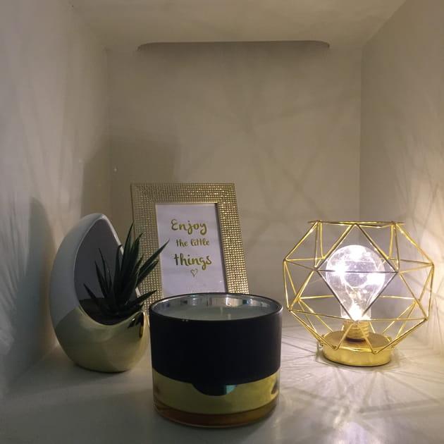 lampe cadre et bougie. Black Bedroom Furniture Sets. Home Design Ideas