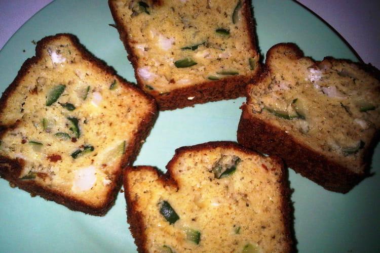 Cake pesto-chèvre-courgette
