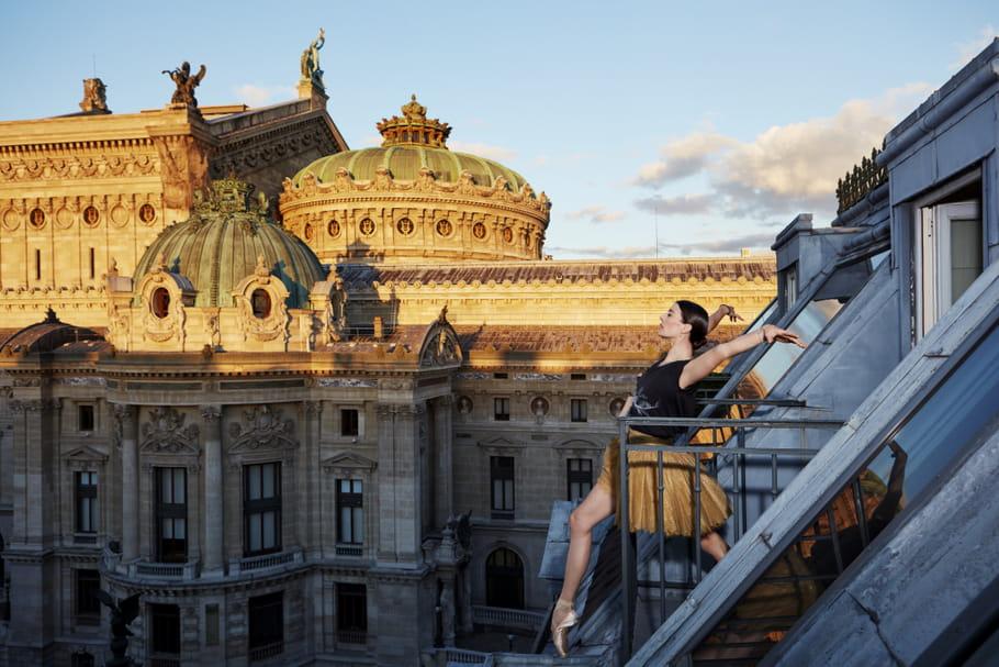 Estée Lauder invite la danseuse étoile Marie-Agnès Gillot à se confier sur Estée Stories, magazine d'inspiration beauté