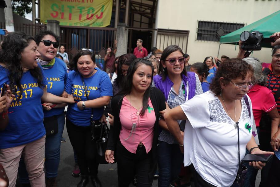 Salvador: elle avait perdu son enfant à la naissance, Evelyn est acquittée