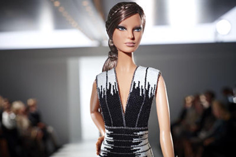 La Barbie s'habille en Hervé Léger by Max Azria