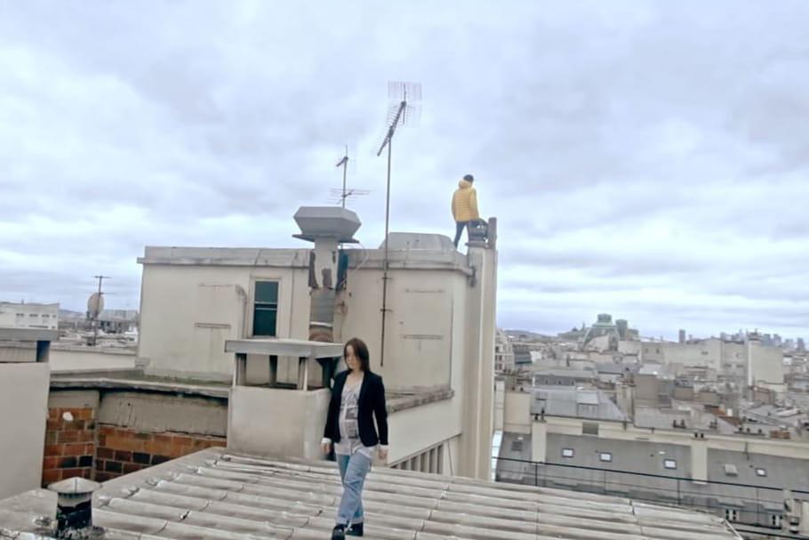 """La Grande Sophie dévoile sa """"Missive"""" depuis les toits de Paris [CLIP]"""