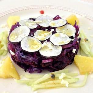 salade crue et cuite de chou rouge et radis noir, au chocolat blanc
