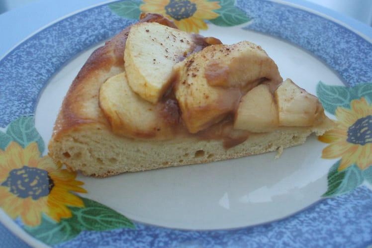 Pizza briochée aux pommes