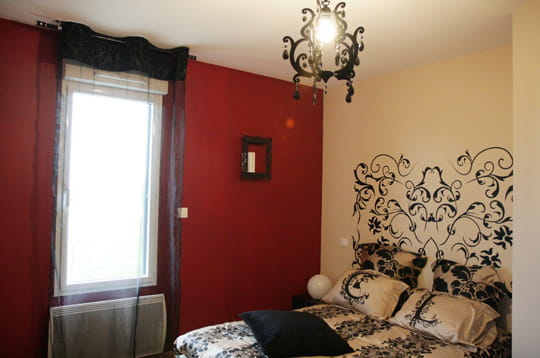 la chambre des parents. Black Bedroom Furniture Sets. Home Design Ideas