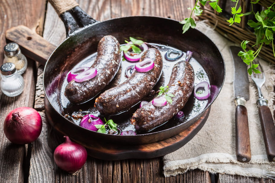 How to cook black pudding without it bursting during cooking?