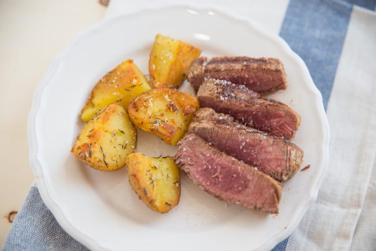Côte de boeuf et pommes de terre au four