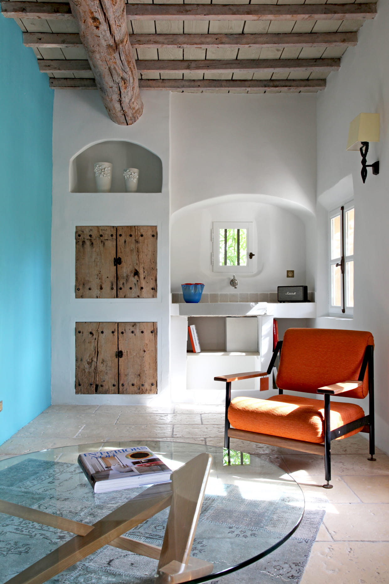 Salon bleu ciel et orange