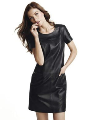 7a501b40b37a Robe en cuir de Caroll © Caroll