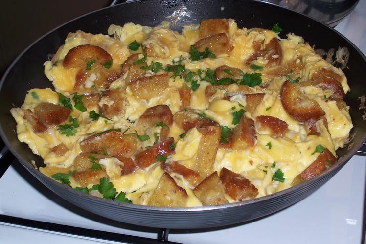 Omelette au pain grillé