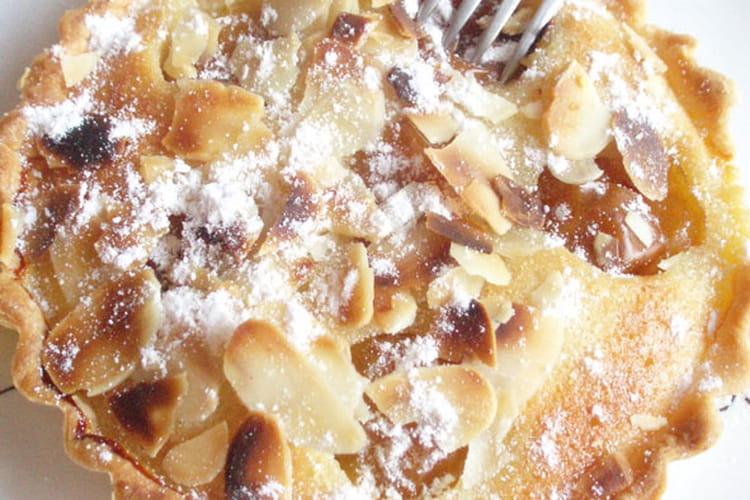 Tartelettes amandines aux mirabelles et à la rose