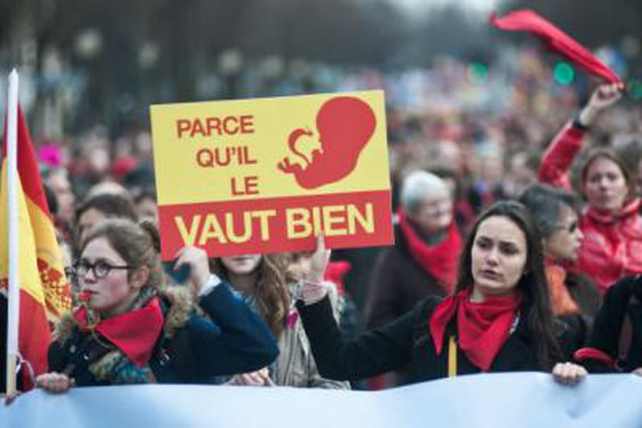 Avortement : pourquoi les anti-IVG battent-ils le pavé ?