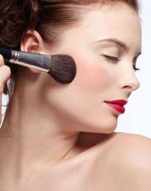 retouches maquillage après un coup de chaud