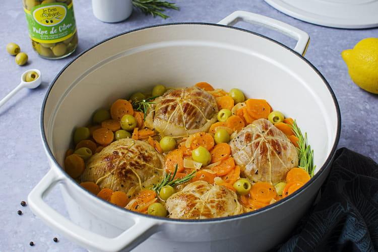 Paupiettes de veau aux agrumes, carottes, oignons et olives vertes farcies